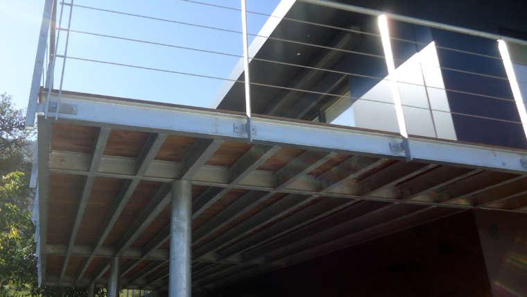 Terrasse ossature métallique ; garde corps acier avec câble