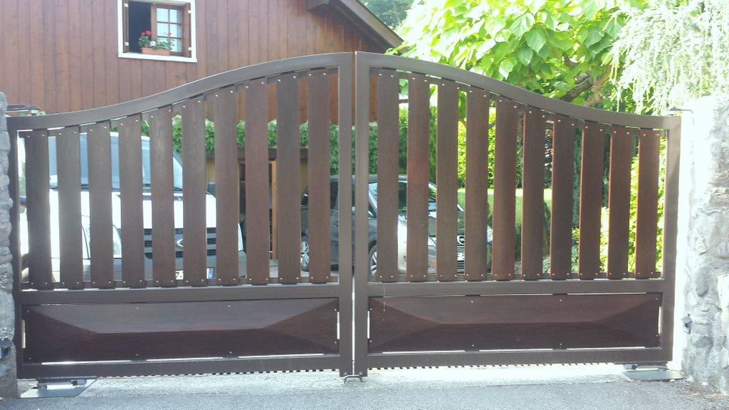 portail deux vantaux – forme chapeau de gendarme