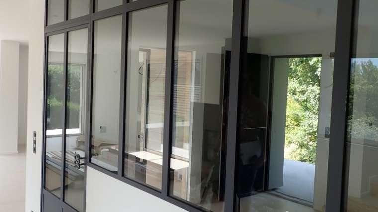 cloison vitrées avec porte